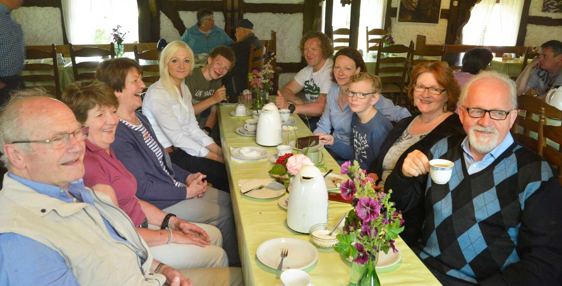 Auch in der Mühle ließen es sich die Besucher gut gehen