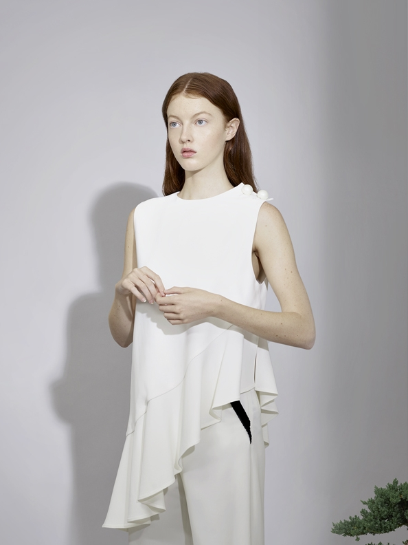 LONG TOP WITH PEARL      PANTS WITH VELVET DETAIL