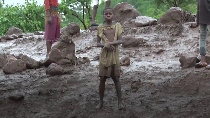 Child affected by cyclone.jpg
