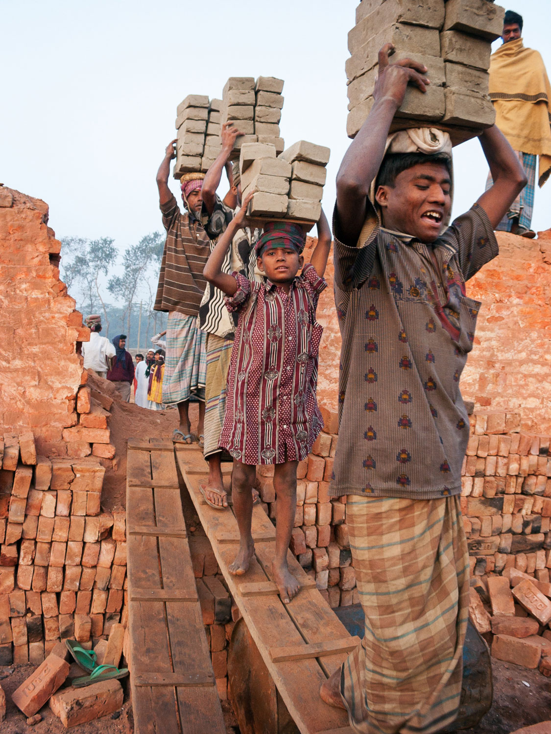 bangladesh-brick-factory-children.jpg