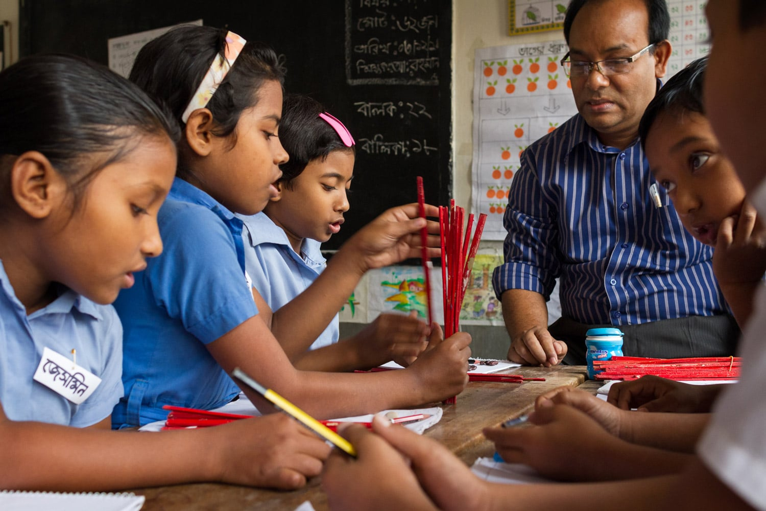 Shushmita works with her mathematics teacher and a group of students who are at the same level as her during maths class. ECL is currently being piloted in both Maths and Bangla but the approach will soon be expanded to include English and Environmental Science.