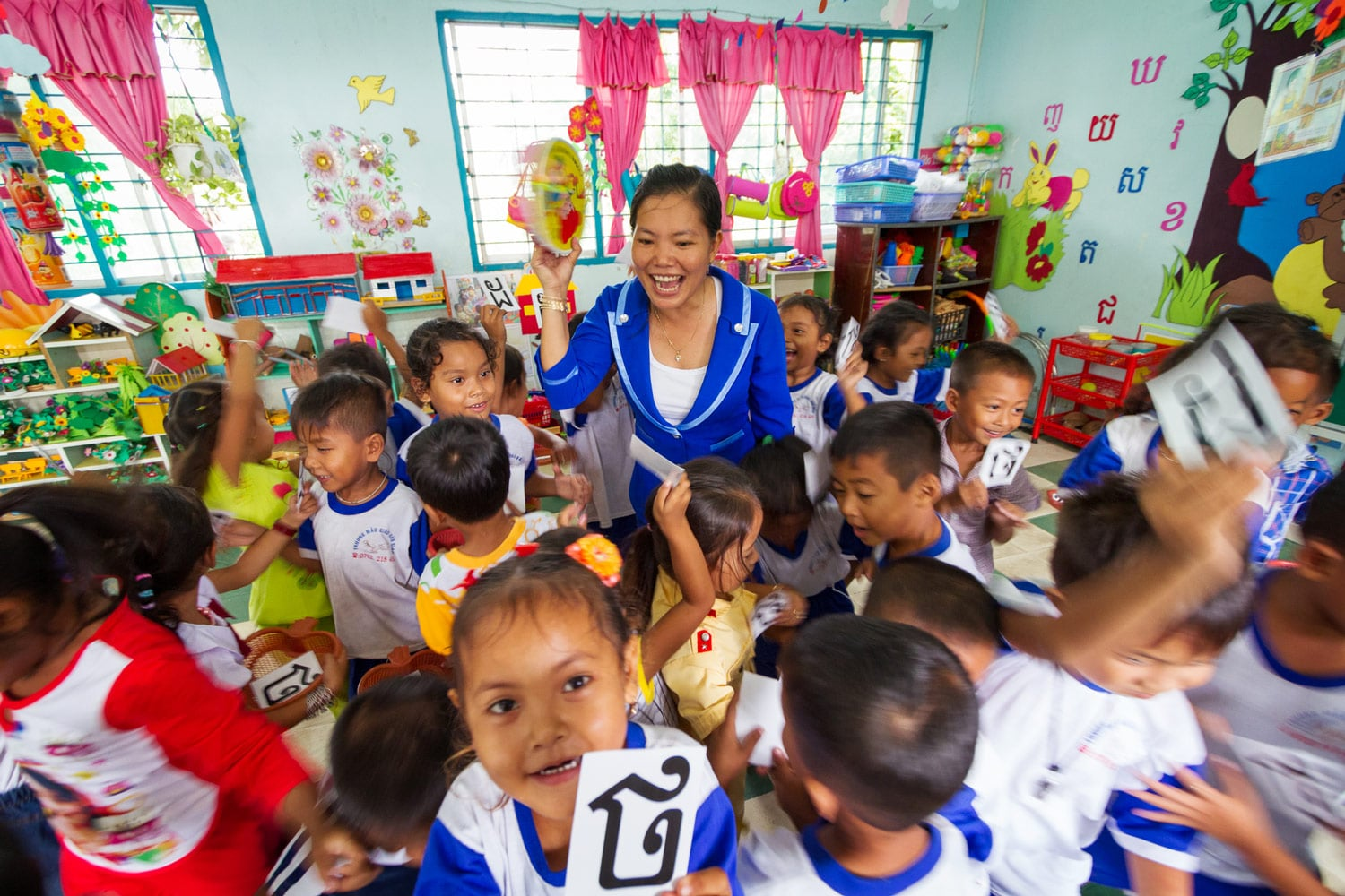 Research indicates that by starting their academic careers studying in their mother tongue, Ngoc and her classmates will become more confident learners than other ethnic minority students who have only studied in Vietnamese. They will also be better equipped to transfer their literacy and numeracy skills to additional languages and are less likely to experience the kind of frustration and failure that leads many ethnic minority students to drop out of school.