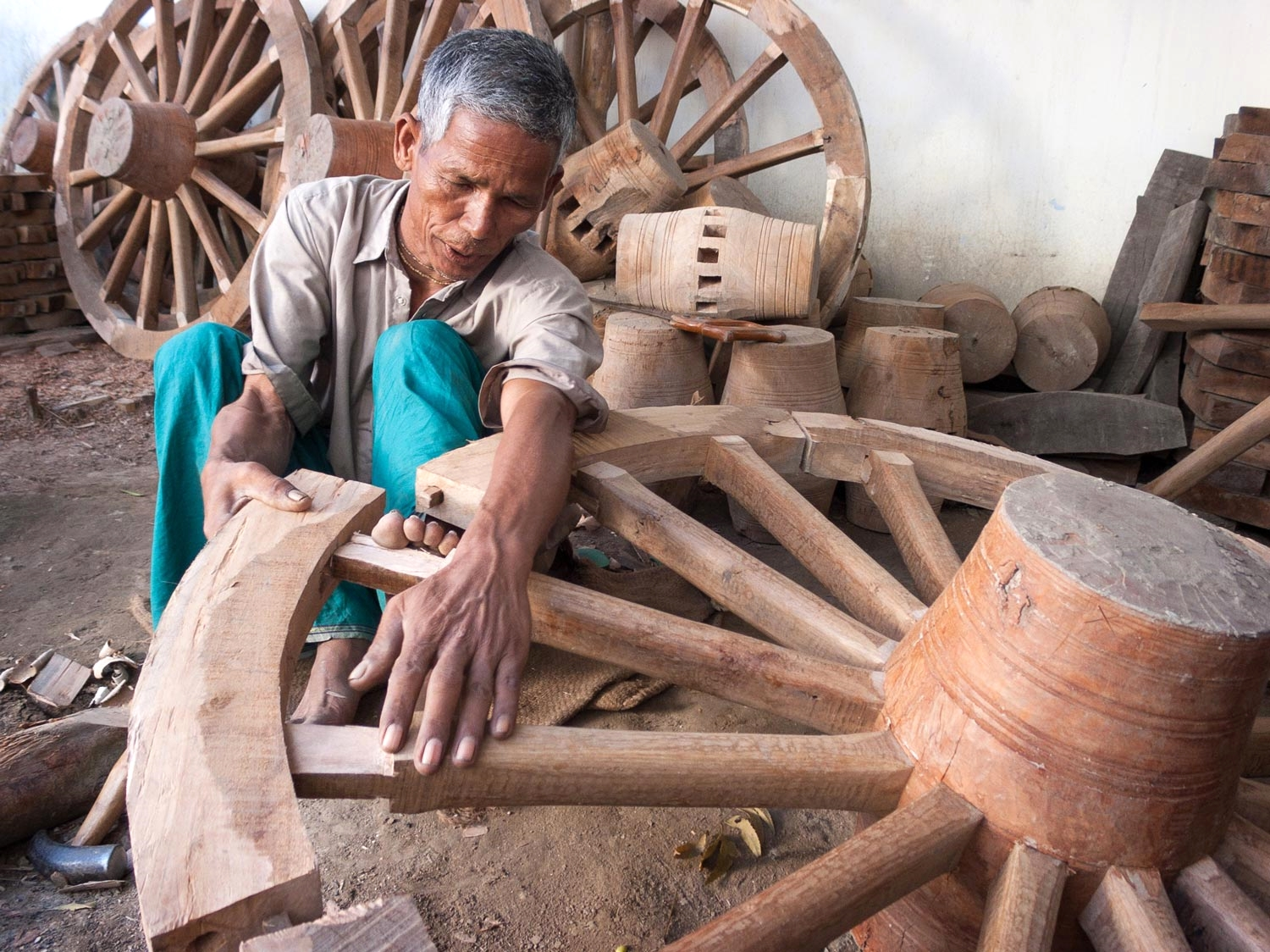 bangladesh-wheelmaker-carpenter.jpg