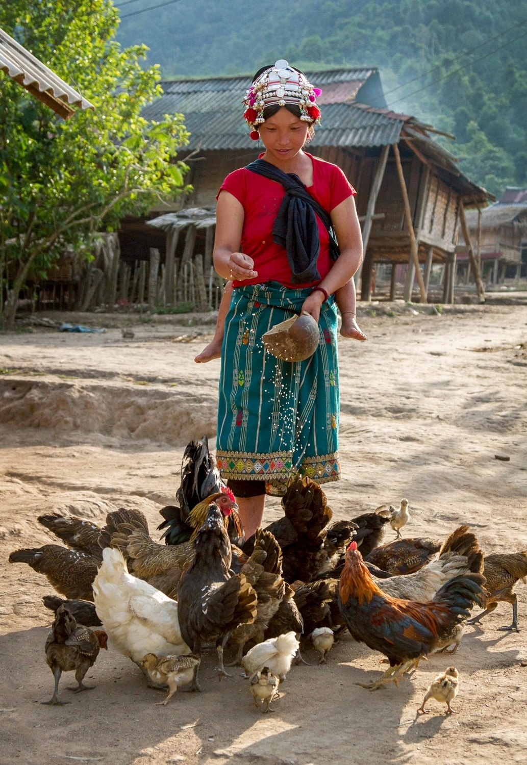 OPEN THIS PUBLICATION  UNICEF LAOS: SA PAE'S STORY   Feeding the ducks; Northern Laos