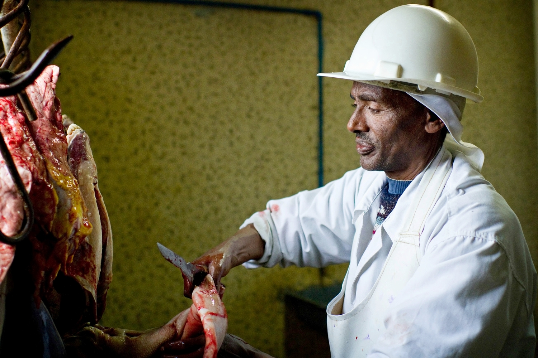 ethiopia-meat-inspector-slaughterhouse.jpg