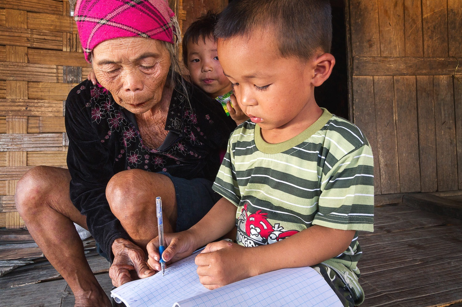 OPEN THIS PUBLICATION  UNICEF LAOS: SA PAE'S STORY