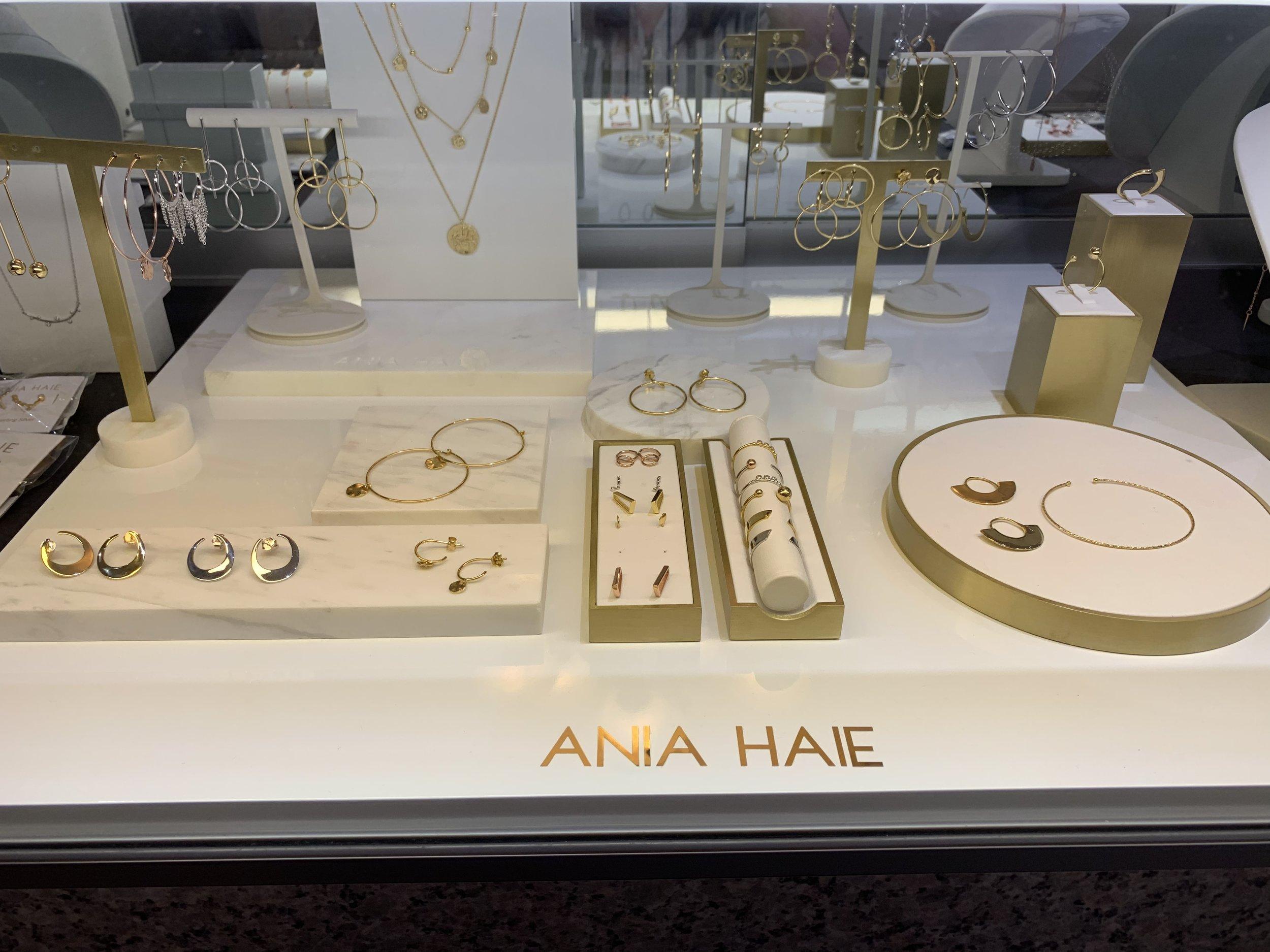 Ania Haie 2.jpeg