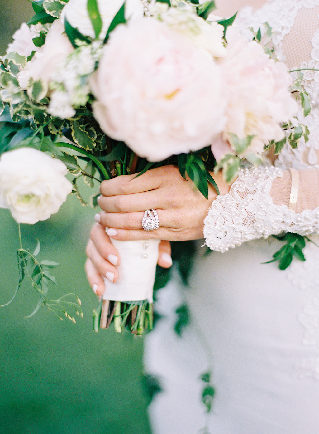 Bouquet by Cody Floral Design | Santa Barbara Wedding Florist | Photography by The Great Romance