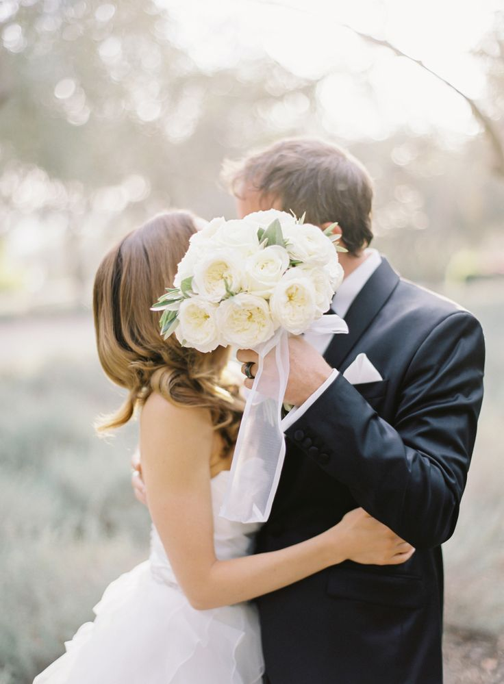 Bouquet by Cody Floral Design   Photography by The Great Romance