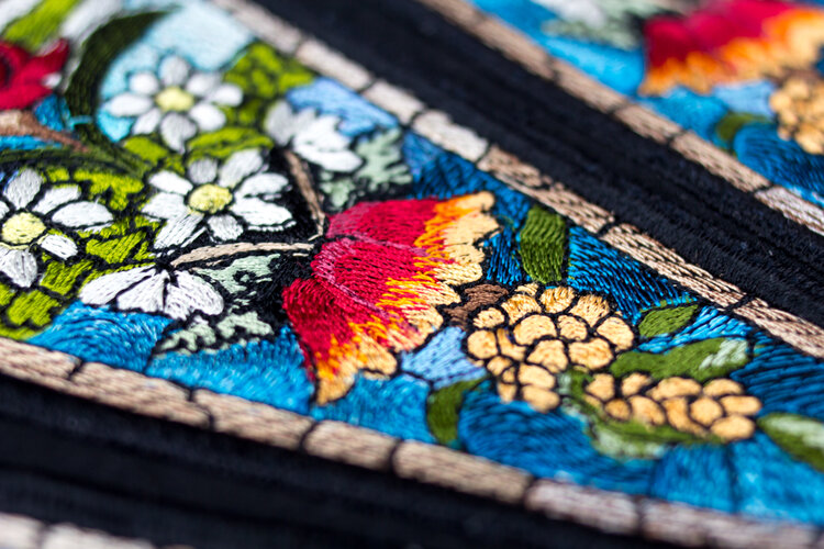 Machine embroidery using 40wt rayon thread, Splendor™