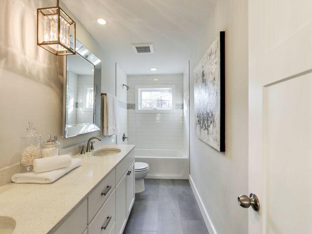 Main Bathroom -