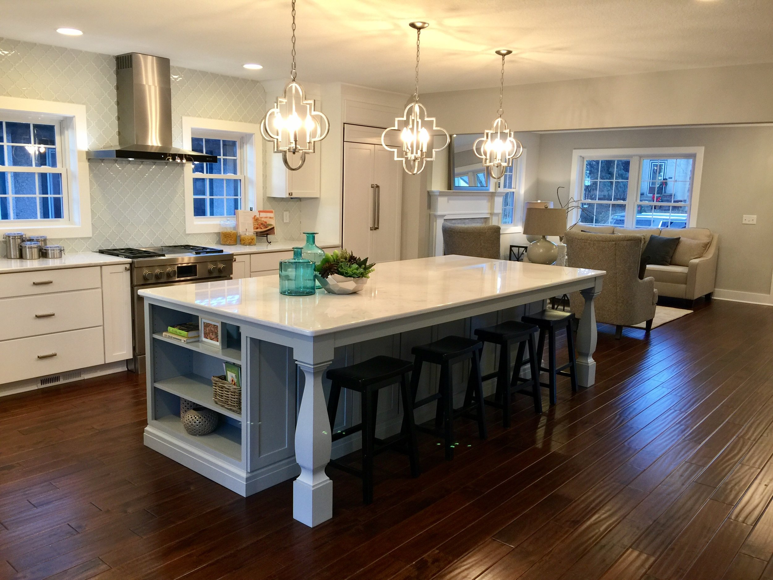 Click here to learn more about this custom kitchen design