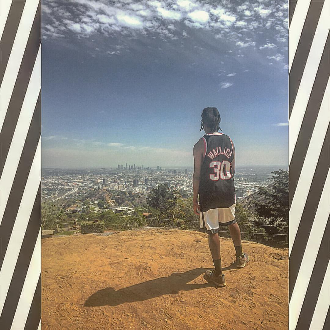 Views from the Cliff.  #LA #kooleyishigh (at Runyon Canyon Park)