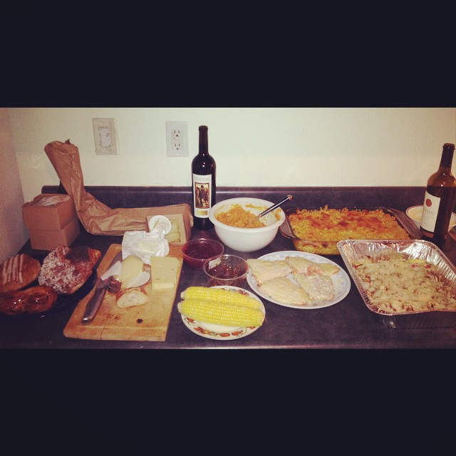 DIY Thanksgiving on y'all Heauxs.  #foodporn #holidays #awayfromhome #kooleyishungry #feast #brooklyn