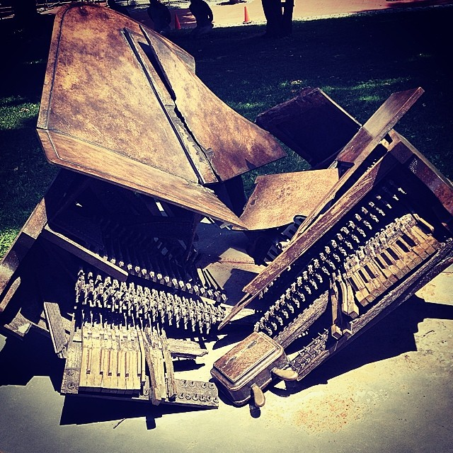 Bruce Banner's Piano #brooklyn #igers #instagood #kooleyishigh #sculpture #pratt