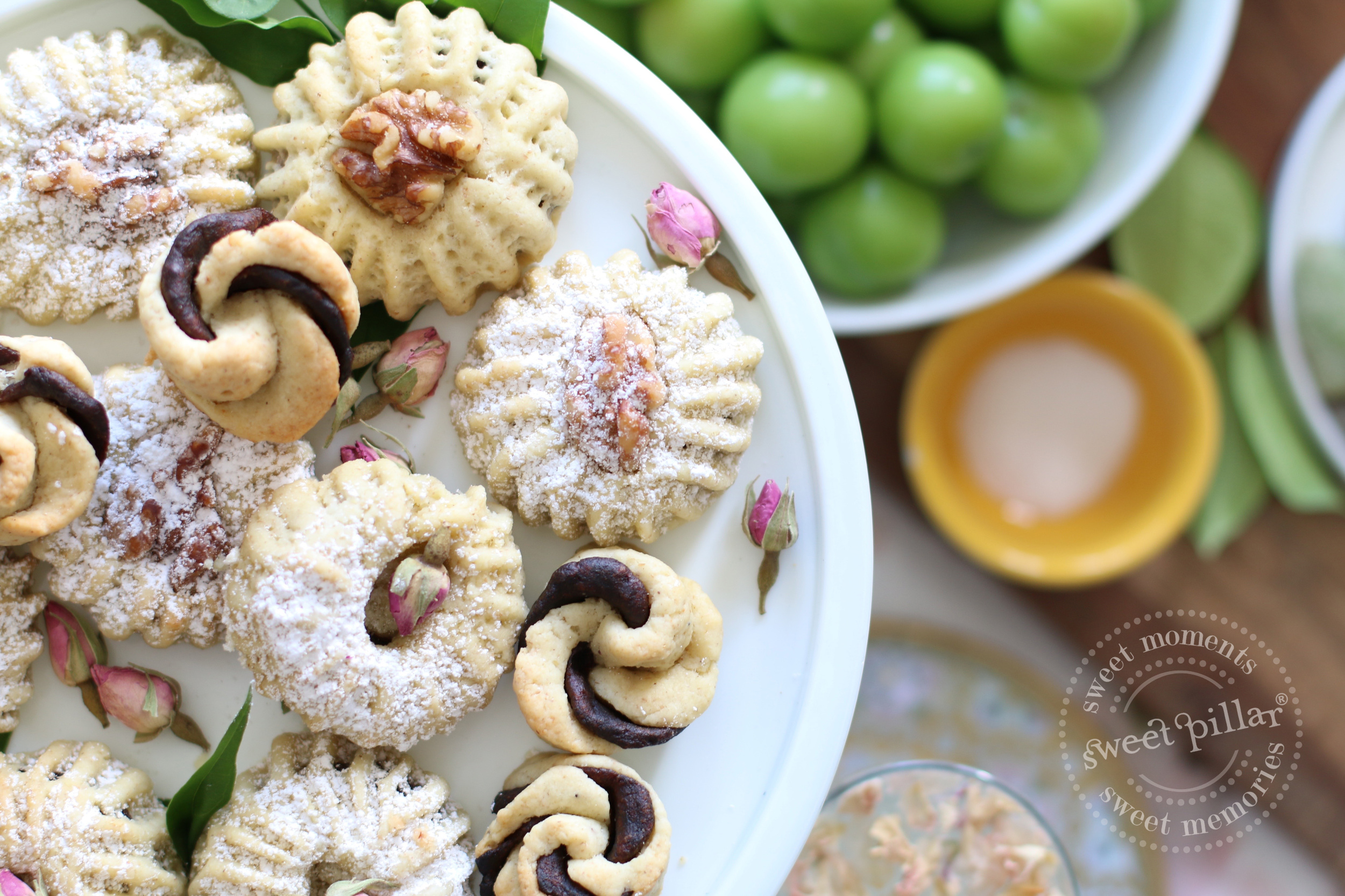 Semolina date mamool cookies