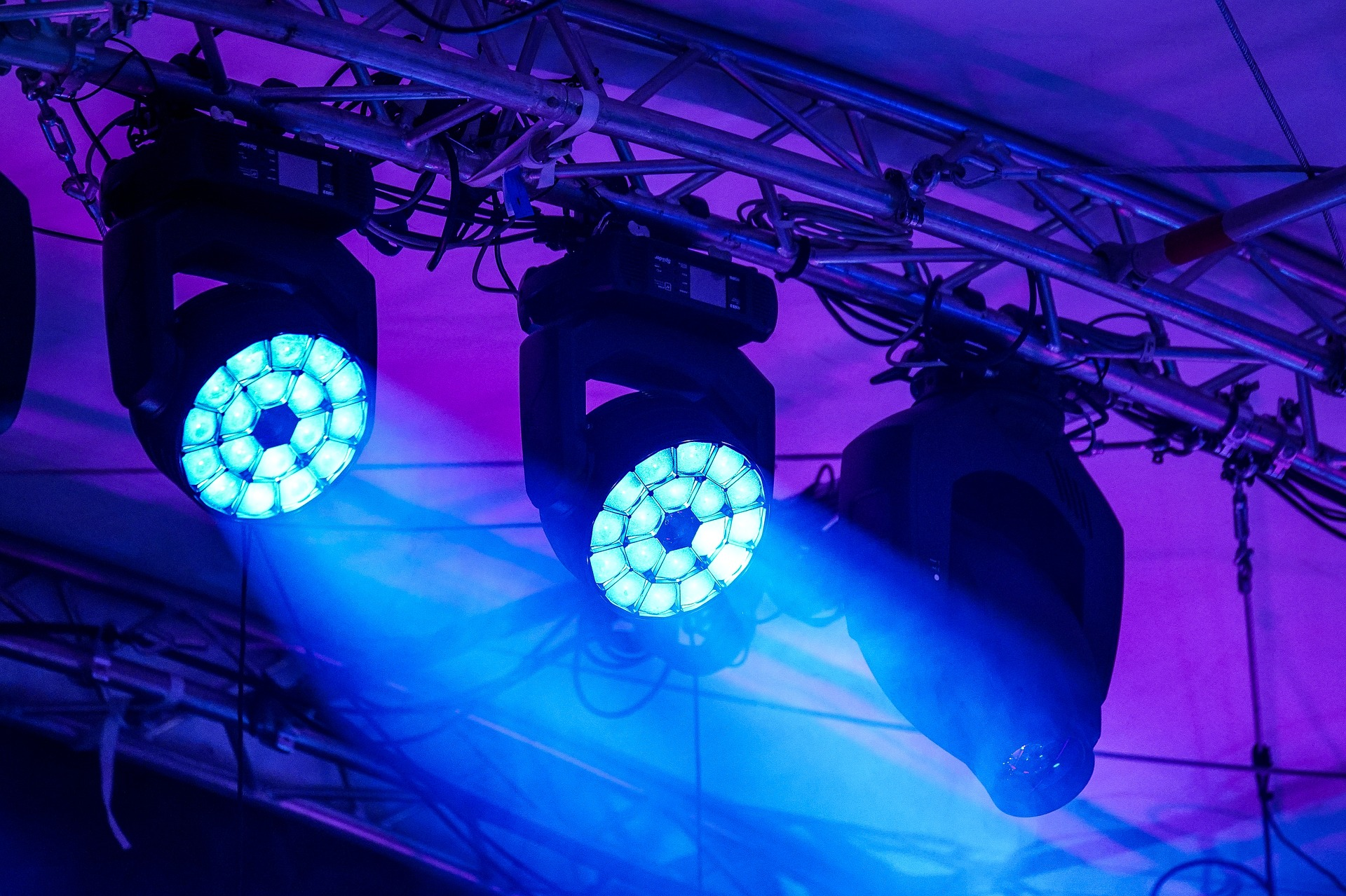 liquid_lights_and_staging   stoked to go back to  #yuccafest  this year!