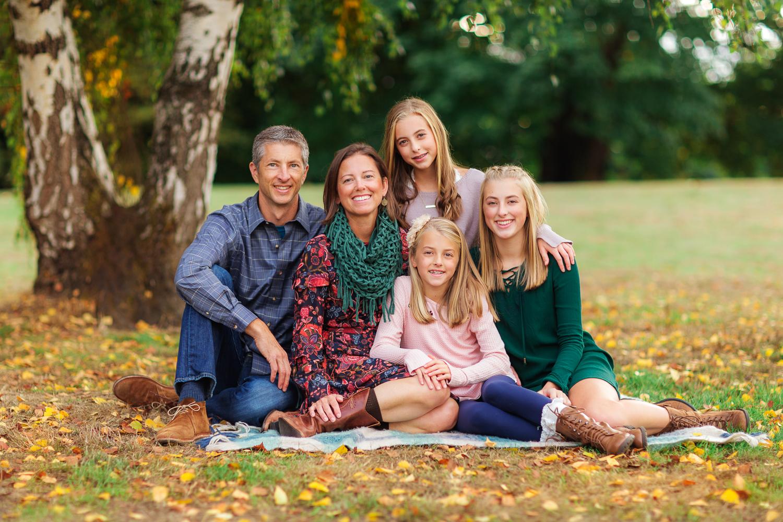 ariellanoellephotography-fall-mini-sessions-family-portraits-monroe-washington-duvall-carnation-redmond-woodinville-area-portraits-1-4.jpg