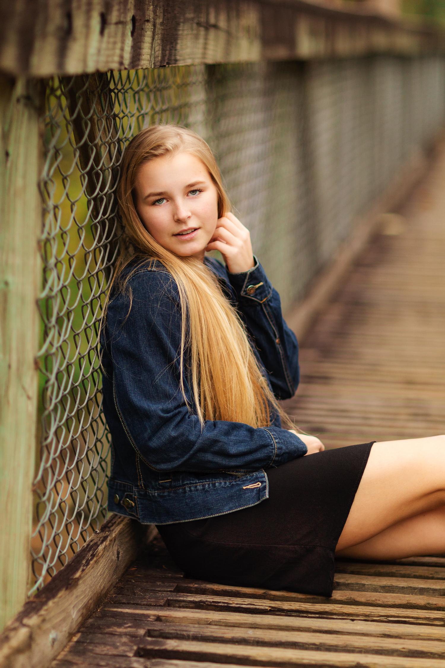 ariellanoellephotography-actor-headshot-modeling-portfolio-actress-seattle-area-washington-photographer-portraits-1-3.jpg