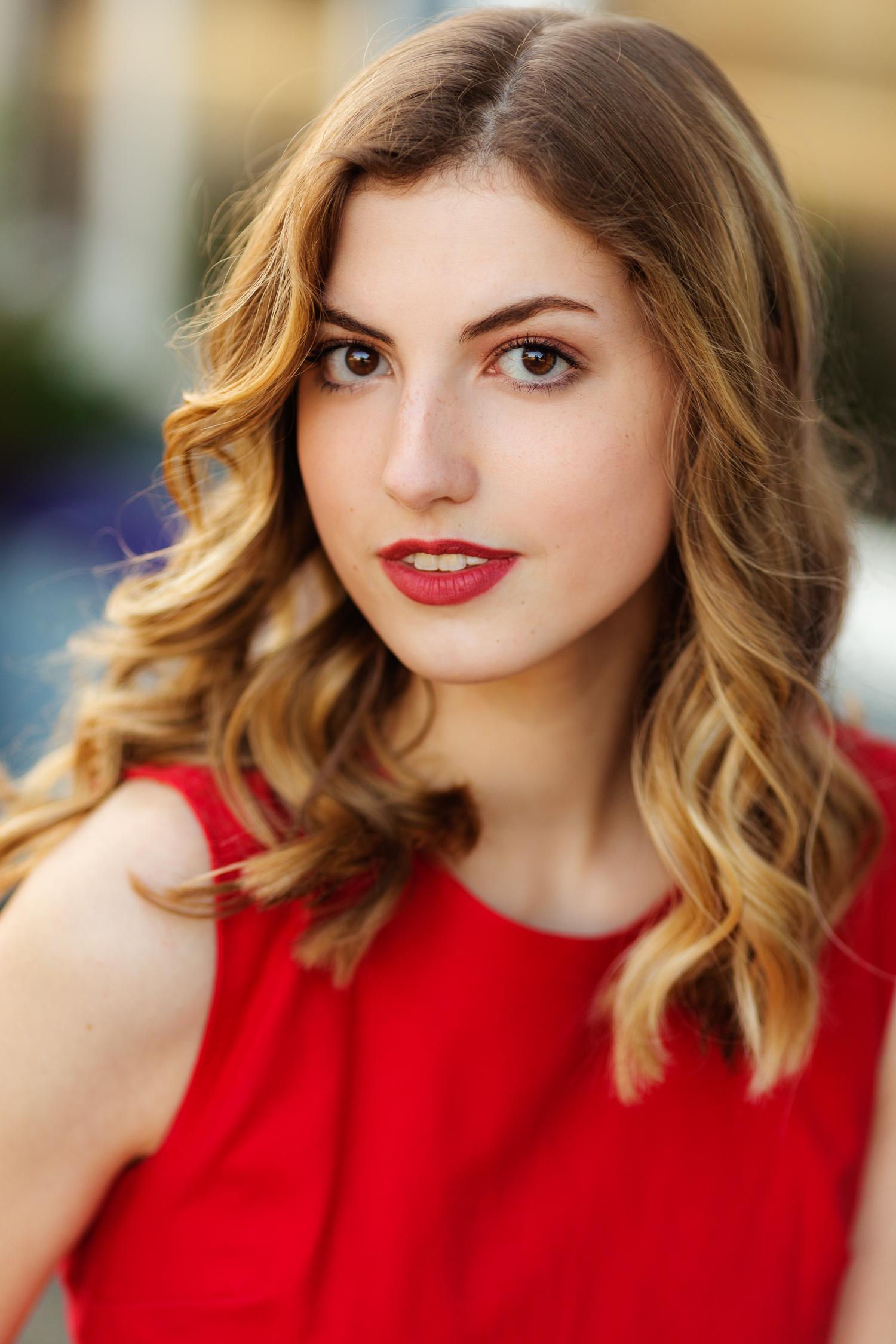 ariellanoellephotography-actor-headshot-modeling-portfolio-actress-seattle-area-washington-photographer-portraits-1-6.jpg