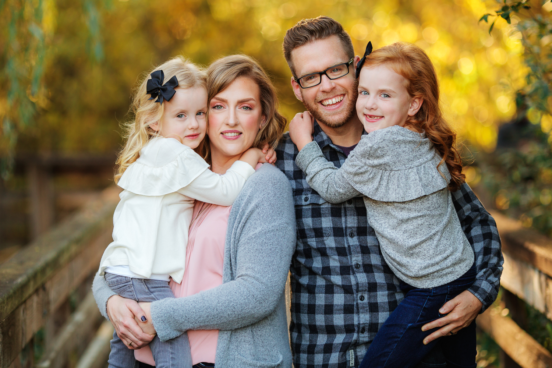 ariellanoellephotography-fall-family-portraits-seattle-monroe-area-family-photography-child-portraiture-highschool-seniors-bellevue-woodinville-lake-sammamish-redmond-3.jpg