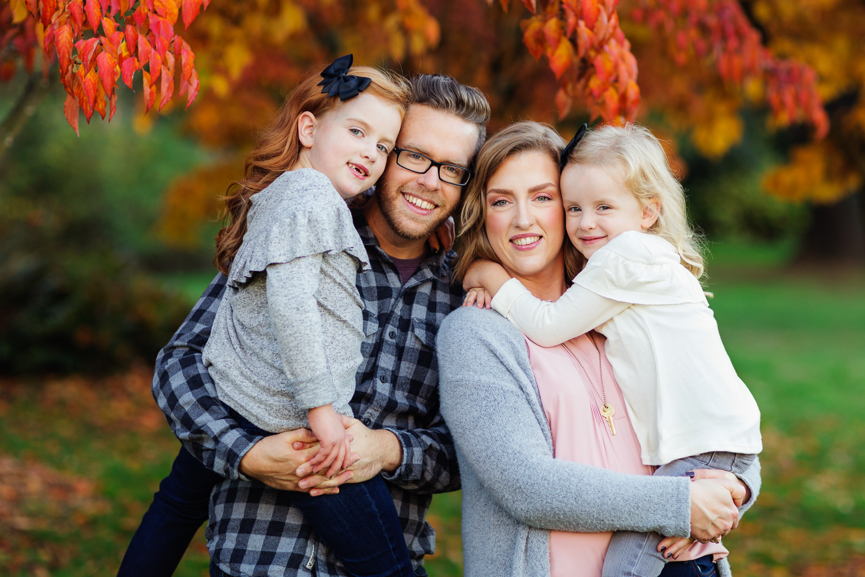 ariellanoellephotography-fall-family-portraits-seattle-monroe-area-family-photography-child-portraiture-highschool-seniors-bellevue-woodinville-lake-sammamish-redmond-1-5.jpg
