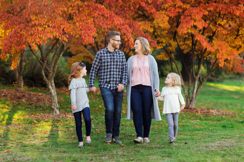 ariellanoellephotography-fall-family-portraits-seattle-monroe-area-family-photography-child-portraiture-highschool-seniors-bellevue-woodinville-lake-sammamish-redmond-1-9.jpg