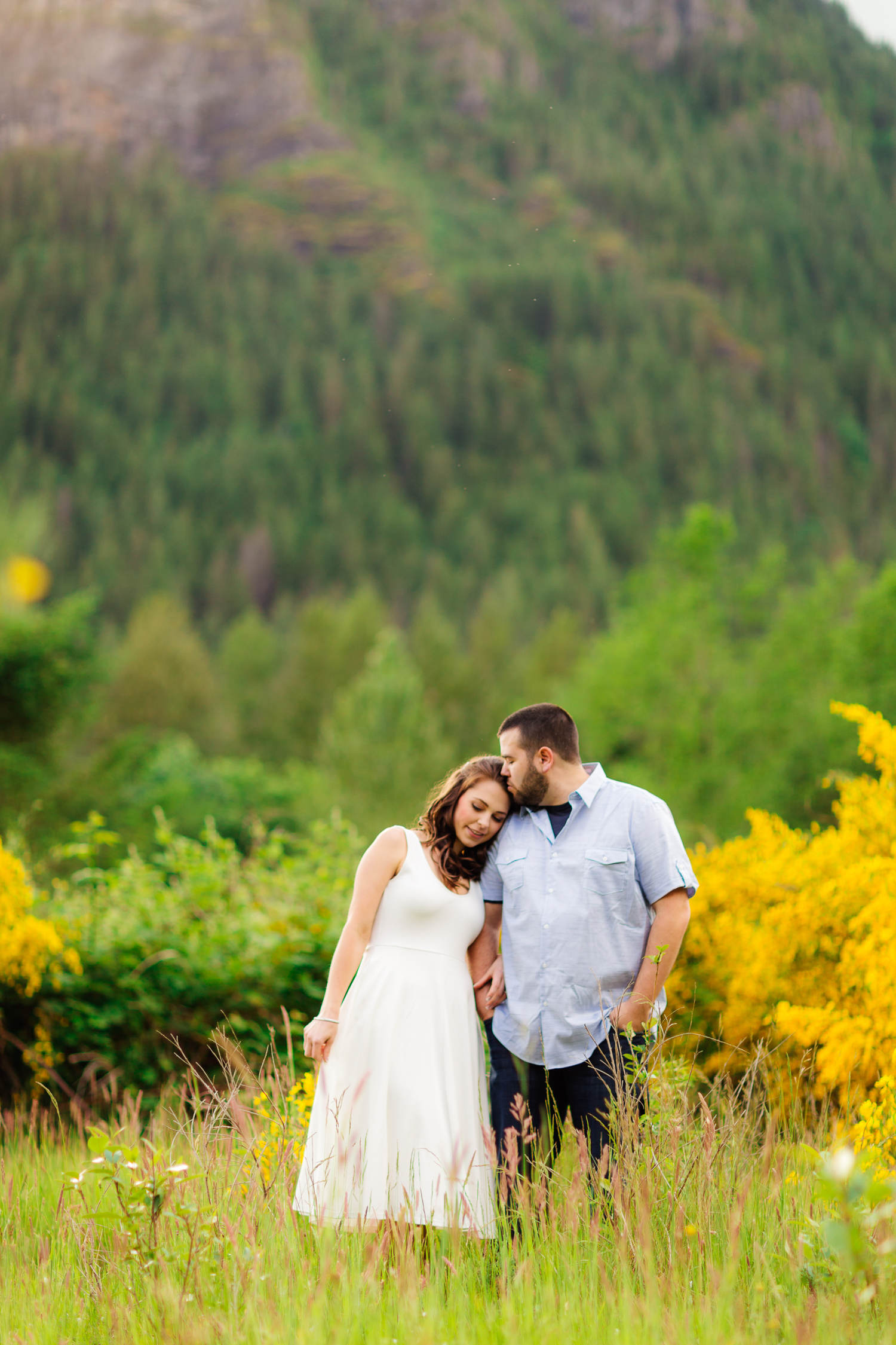 ariellanoellephotography-engagement-photographer-seattle-area-monroe-duvall-kirkland-redmond-photography-1-13.jpg