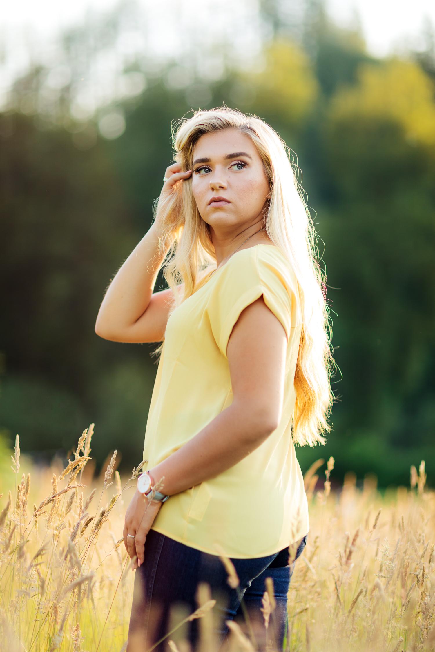 ariellanoellephotography-highschool-senior-portraits-top-seattle-area-photographer-1-23.jpg