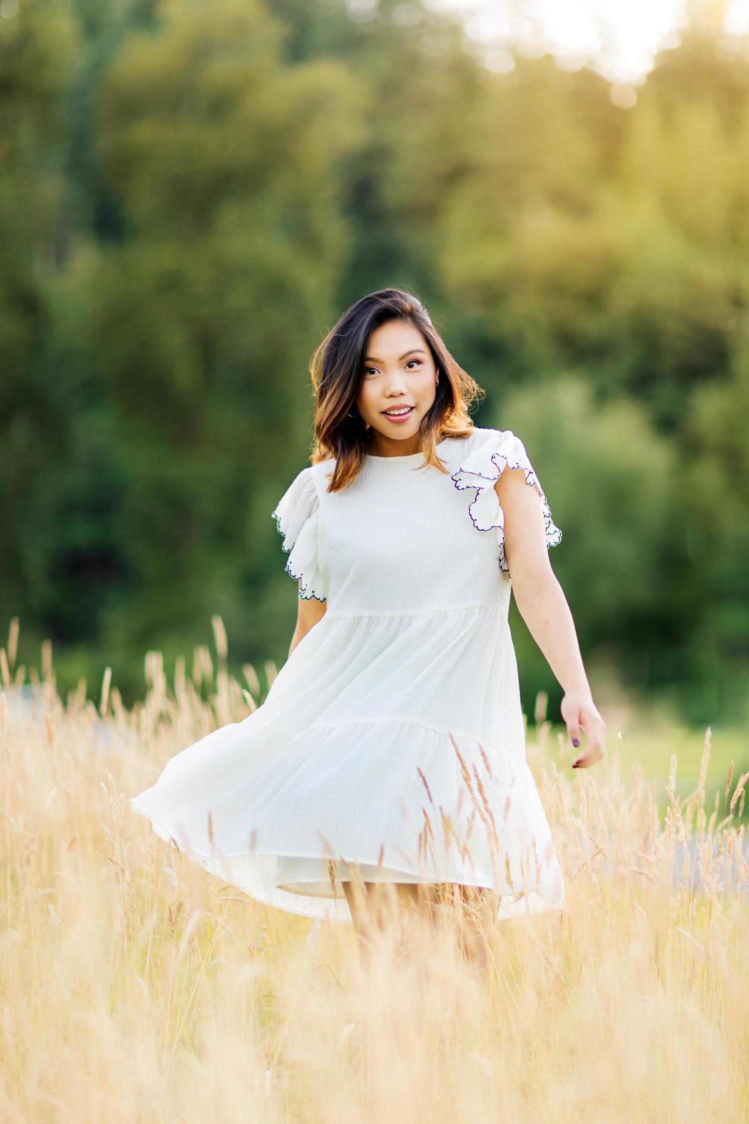 ariellanoellephotography-highschool-senior-portraiture-seattle-area-monroe-duvall-washington-state-redmond-kirkland-bellevue-snohomish-portraiture-graduation-images-2-4.jpg