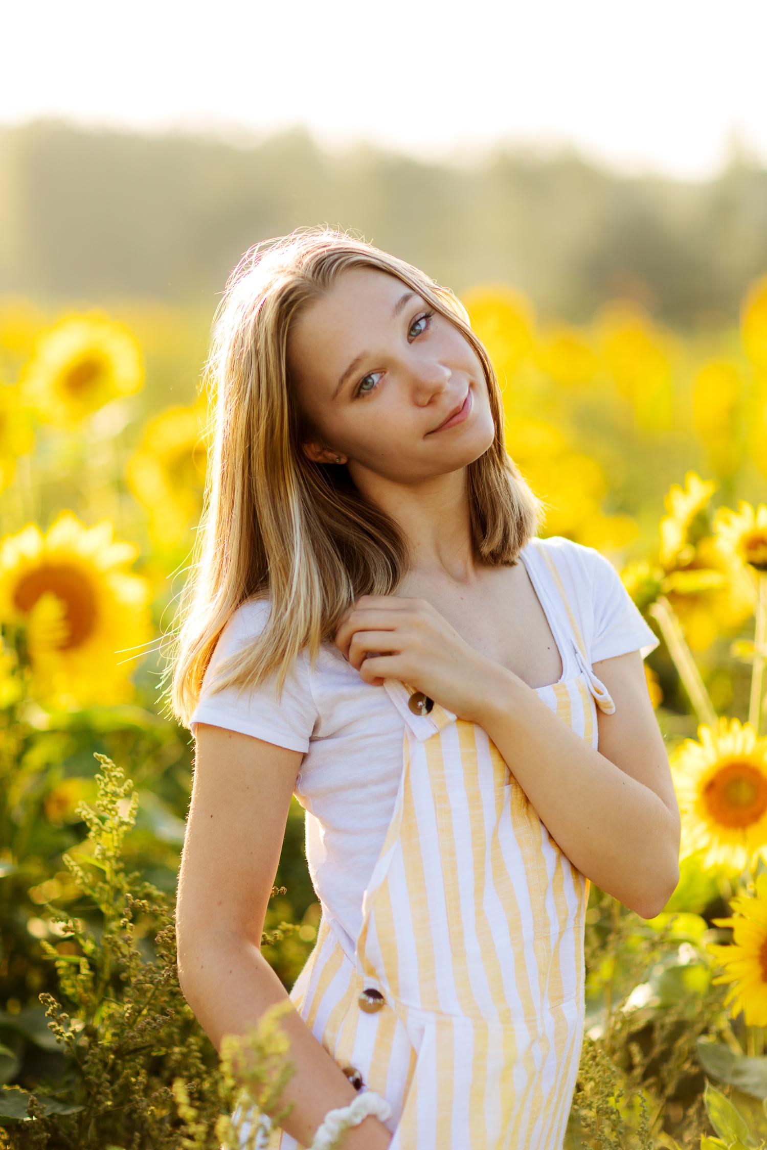 ariellanoellephotography-portraiture-highschool-senior-photos-top-seattle-area-photographer-1-3.jpg