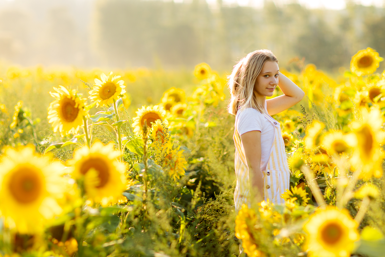 ariellanoellephotography-portraiture-highschool-senior-photos-top-seattle-area-photographer-1-5.jpg