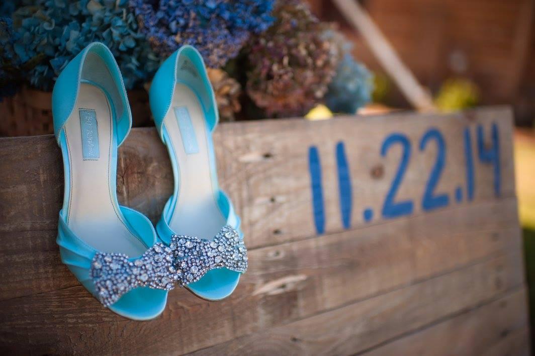 Hidden Acres Cabin Real Wedding | Kasey & Brandon | Photographs by Andrea | Pocketful of Sunshine Event Design