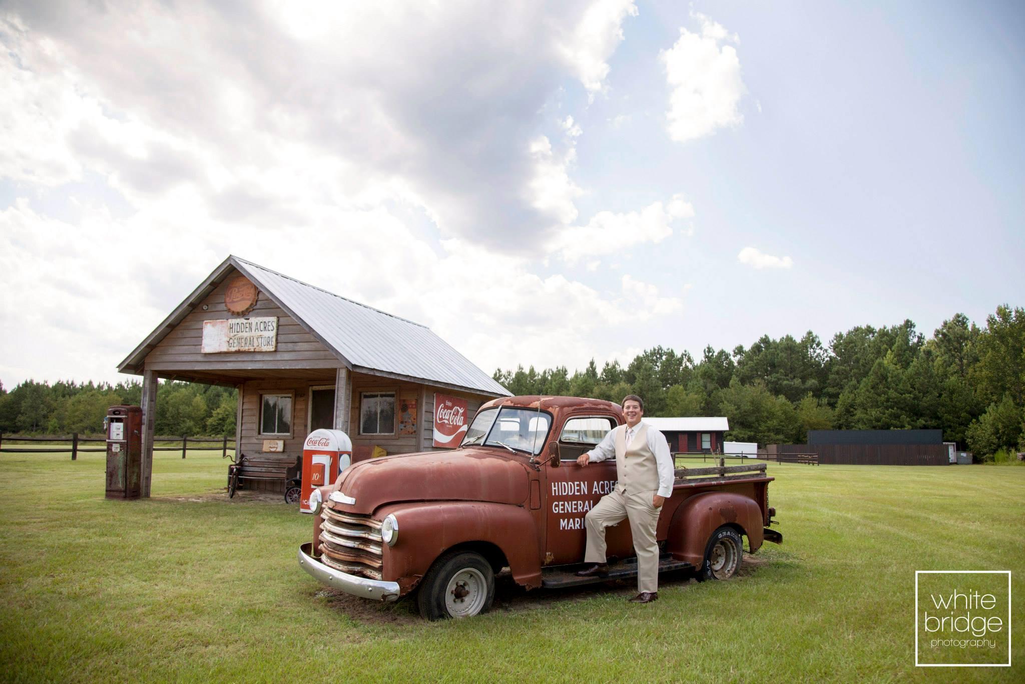 Hidden Acres Real Wedding | Hannah & Josh | White Bridge Photography