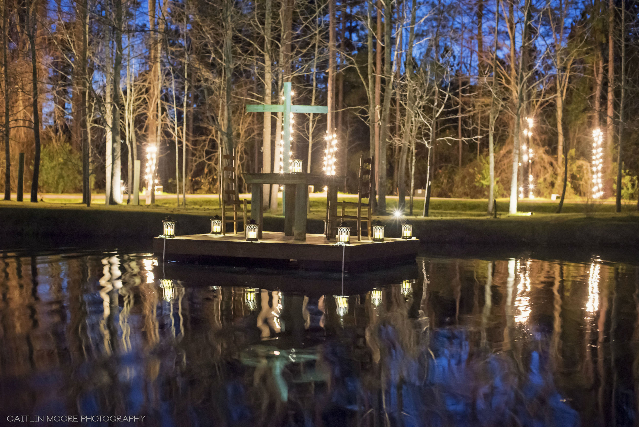 Private Dining At The Ceremony Pond at Hidden Acres | Caitlin Moore Photography