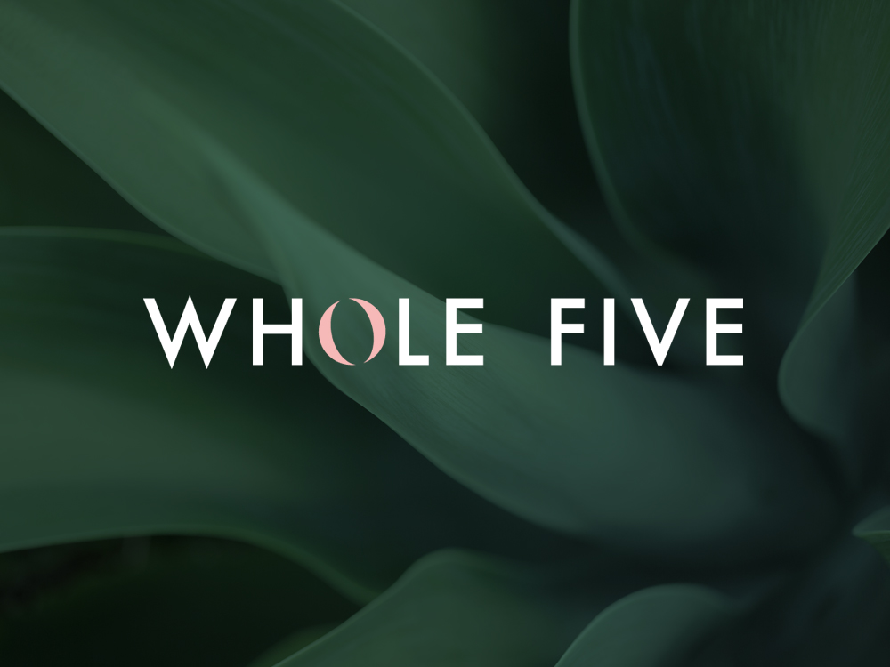 the-whole-five-logo