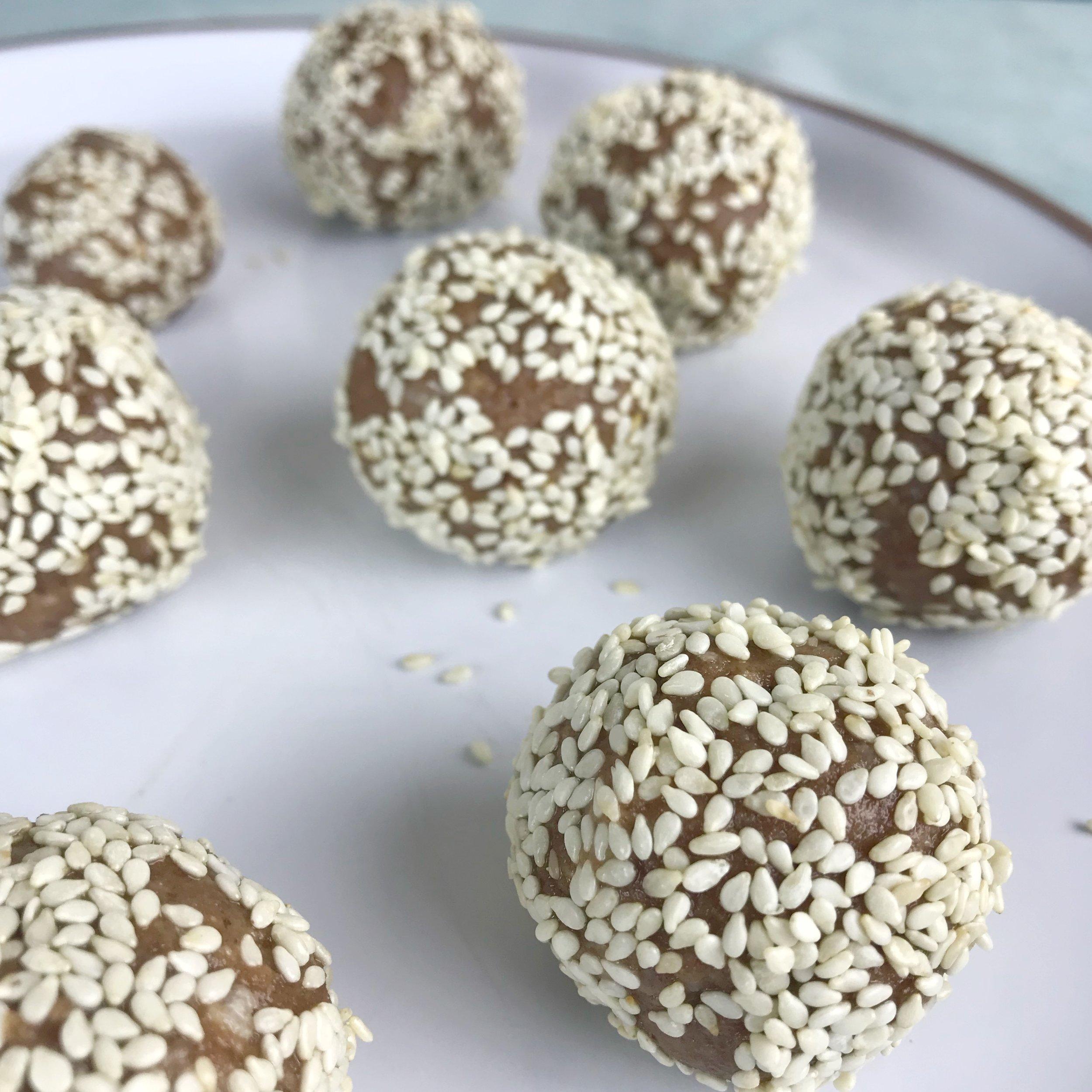 Tahini Cashew Balls