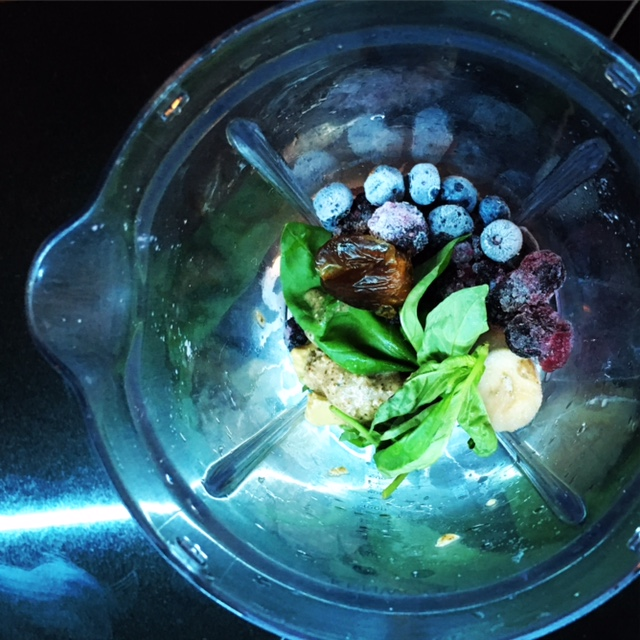 Basil and blueberry smoothie