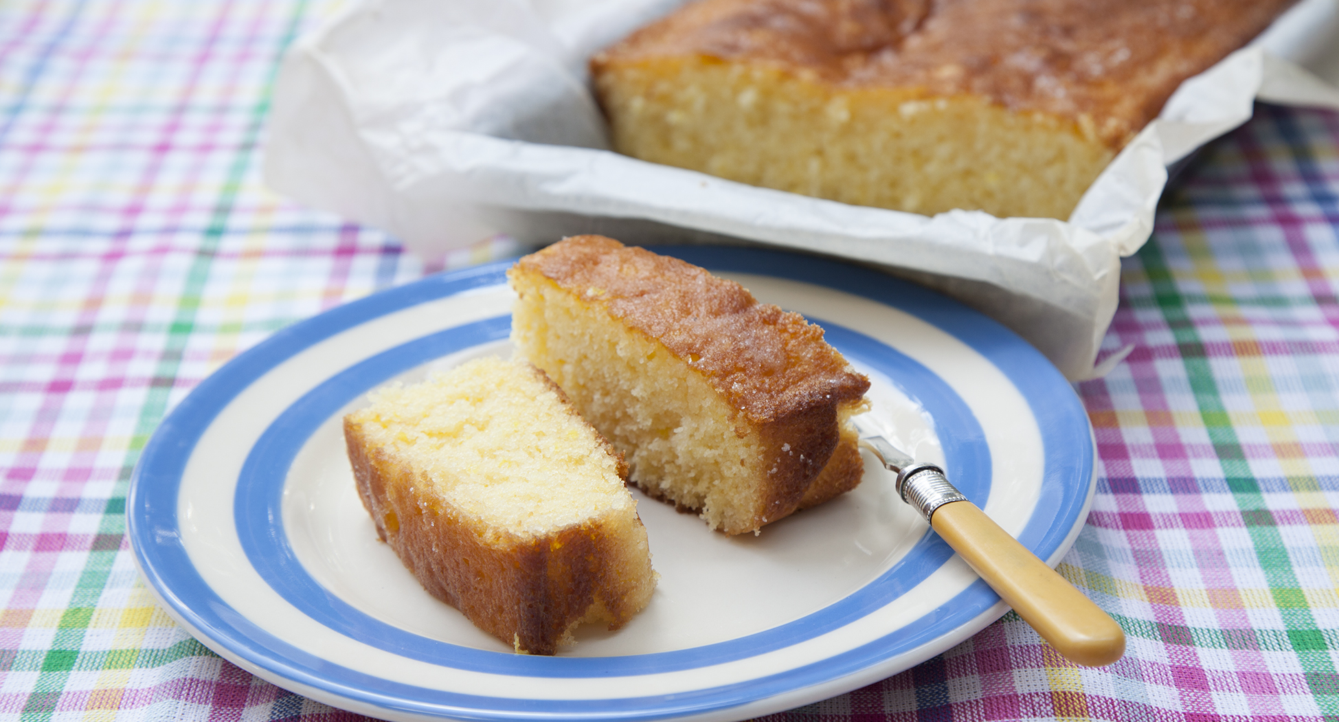 Lemon drizzle 203 page 118 straighten cloth.jpg