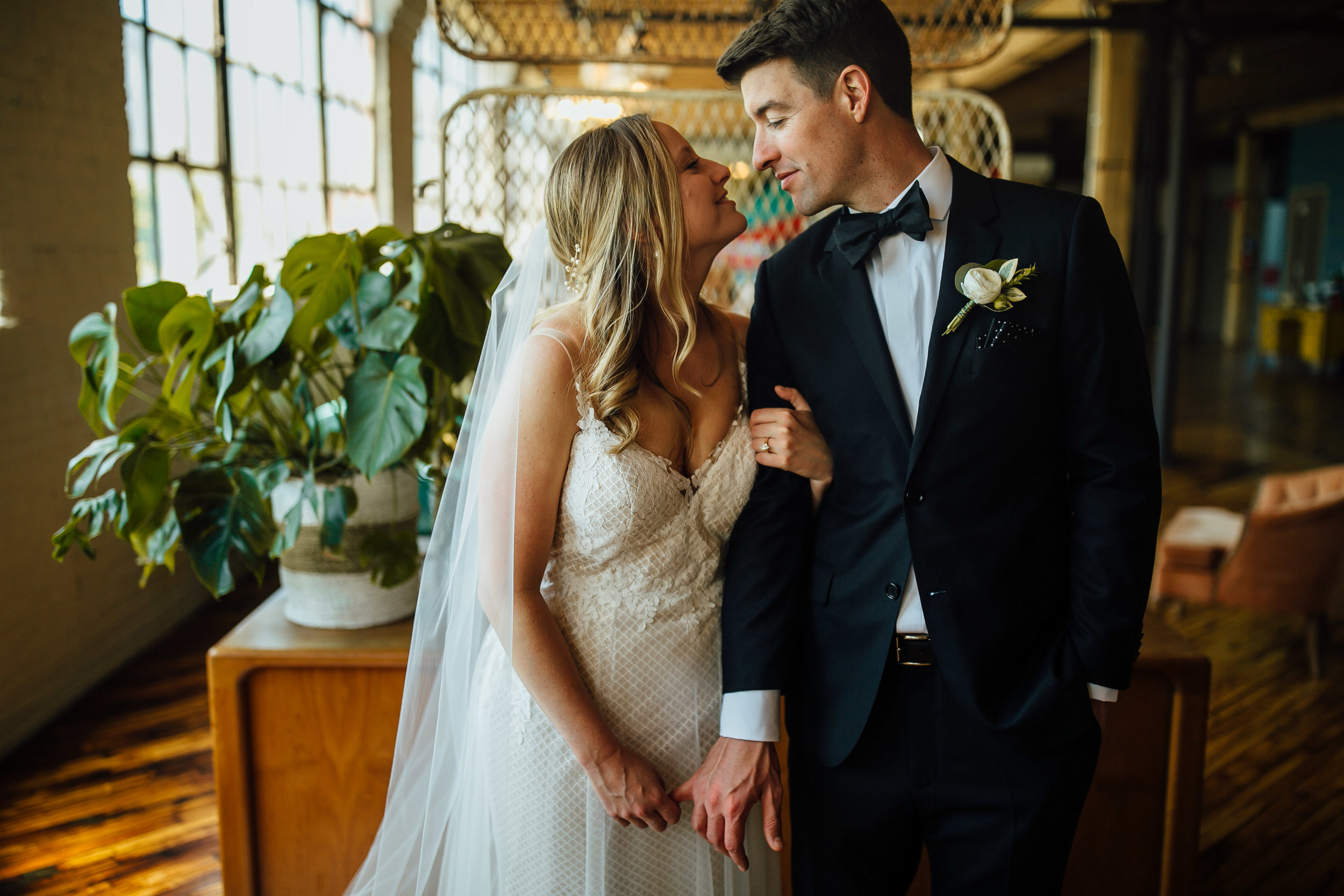 2018-6-Maggie-Johnny-Preview-Grand-Rapids-Wedding-Michigan-Wedding-Photographer-5127.jpg