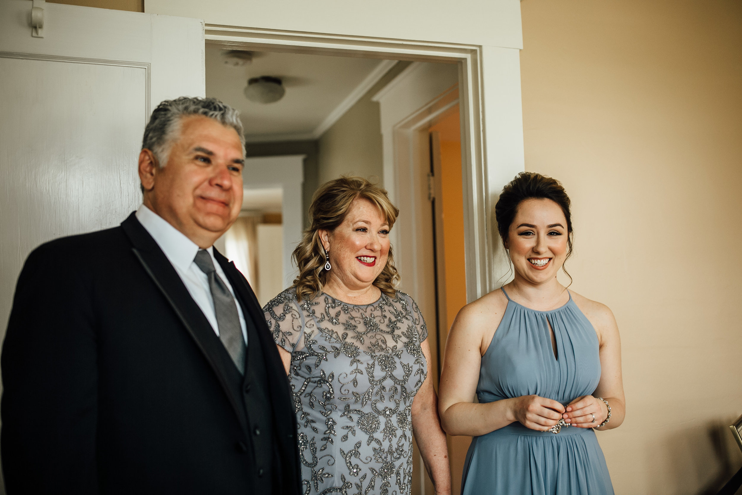2018-4-Kim-Nick-Detroit-Wedding-Preparations-Michigan-Wedding-Photographer-93.jpg