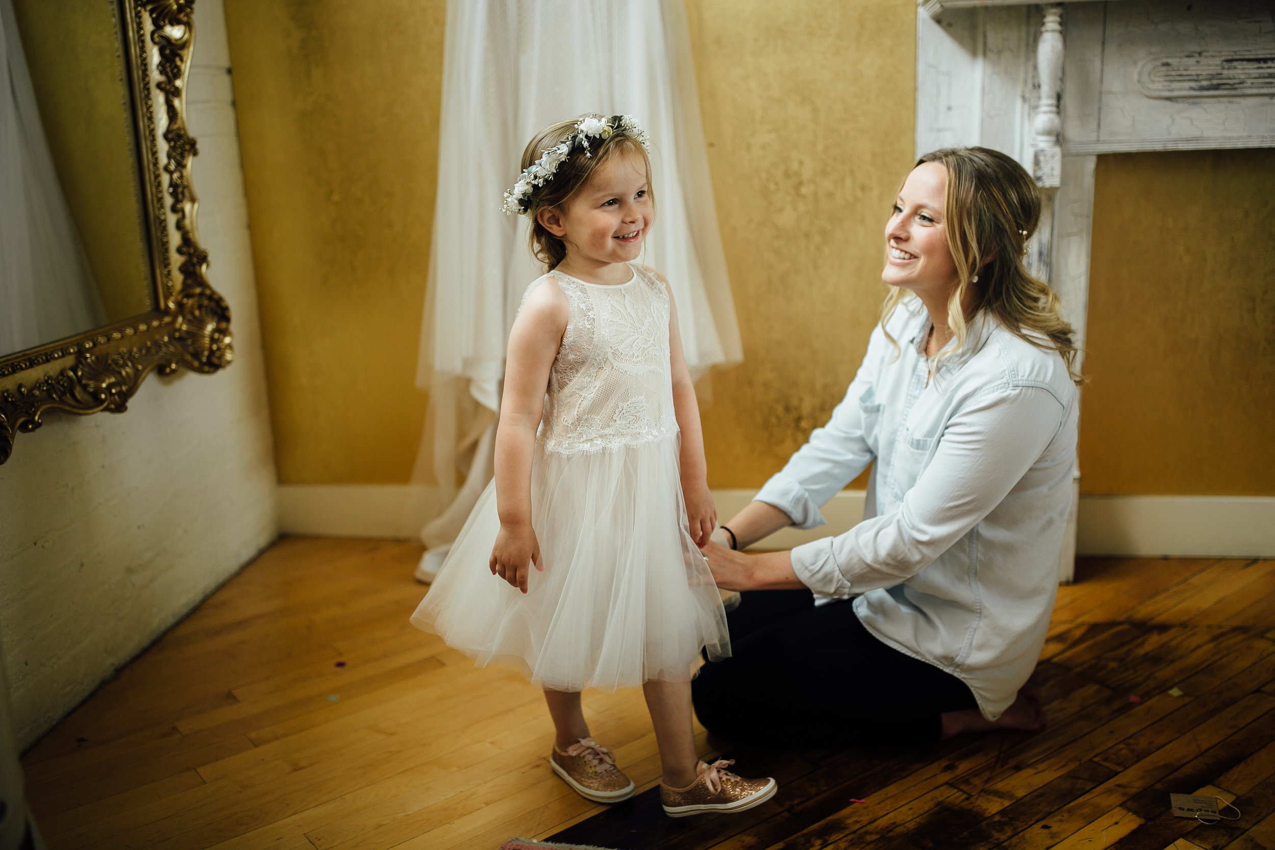 2018-6-Maggie-Johnny-Preparations-Cheney-Place-Wedding-Grand-Rapids-Michigan-Wedding-Photographer-192.jpg
