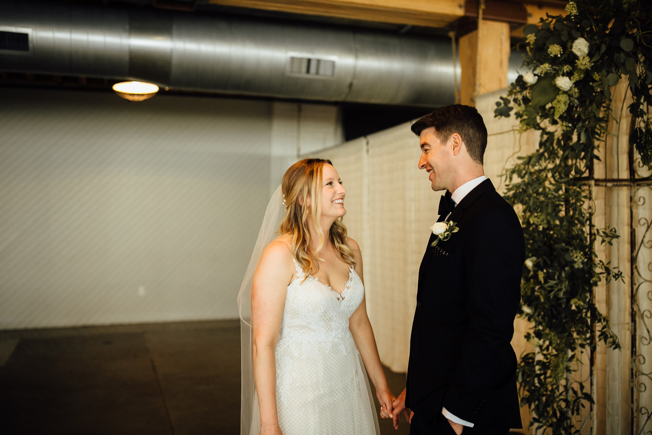 2018-6-Maggie-Johnny-First-Look-Cheney-Place-Wedding-Grand-Rapids-Michigan-Wedding-Photographer-31.jpg