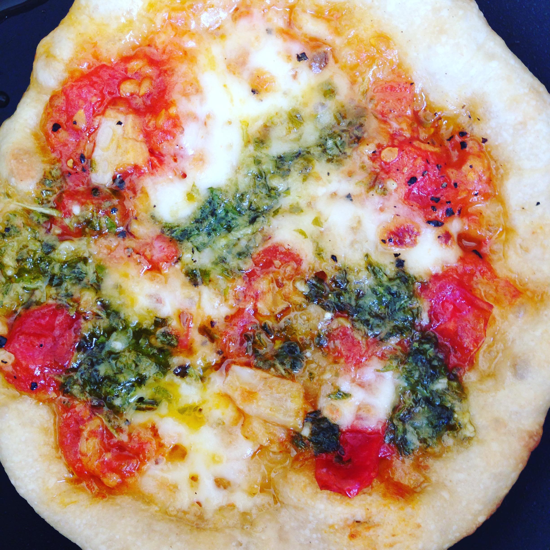 fryingpanpizza2.jpg