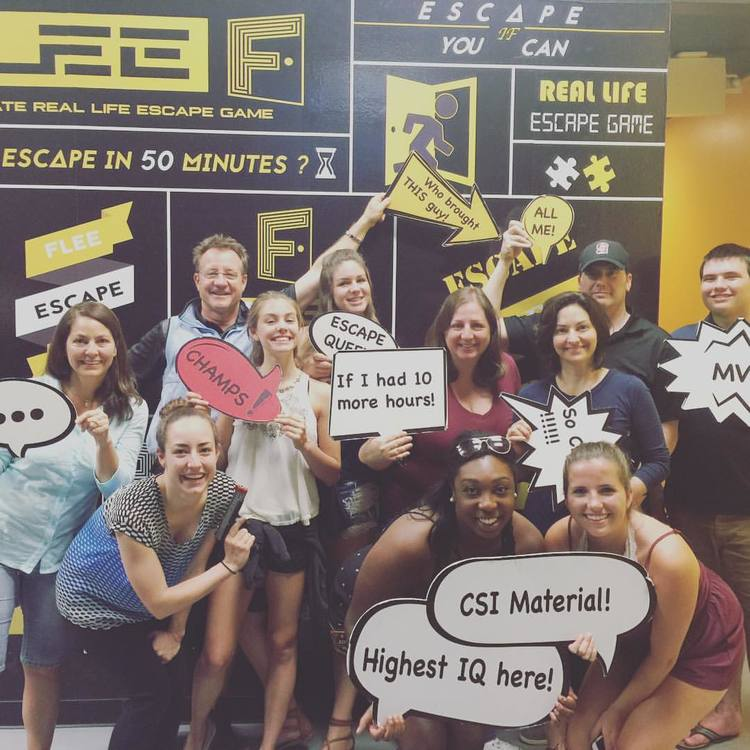 Team Offsite - Seattle - FLEE Seattle have 2 interactive game rooms.One session can take up to total of 24 players,with up to 12 players in each themed game room.Bourne's Mission: PLAYERS: 4 ~ 12    DIFFICULTIES:★★★★★Bio-Hazard:PLAYERS: 4 ~ 12   DIFFICULTIES: ★★★★☆
