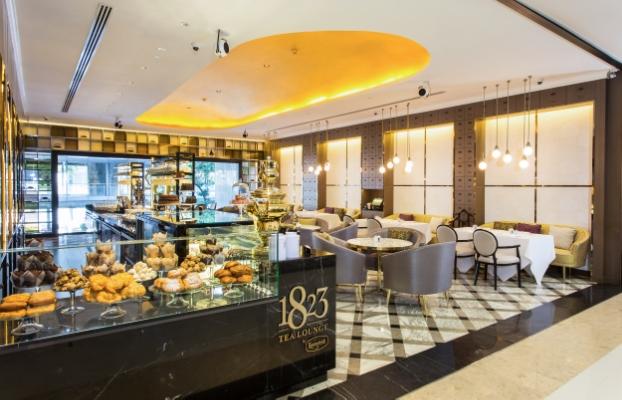 Tea Lounge Wide01.jpg