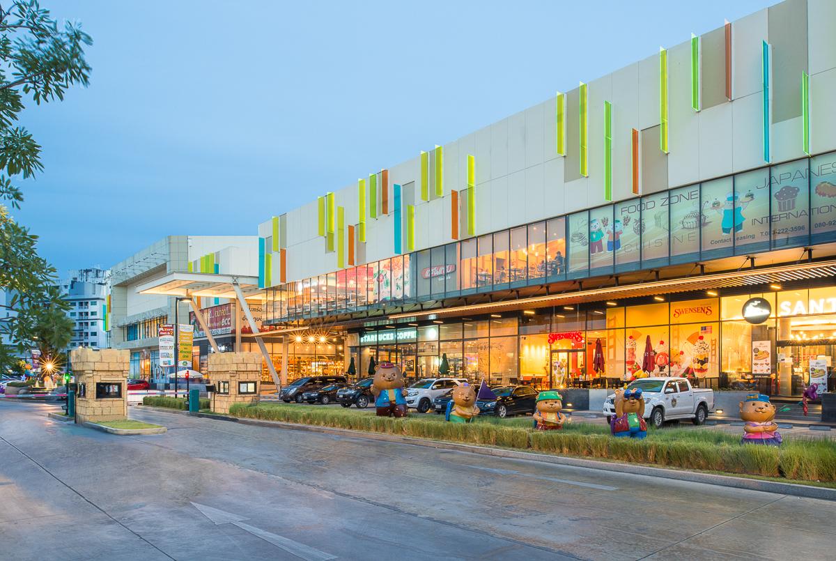 Plearnary Mall_006.jpg