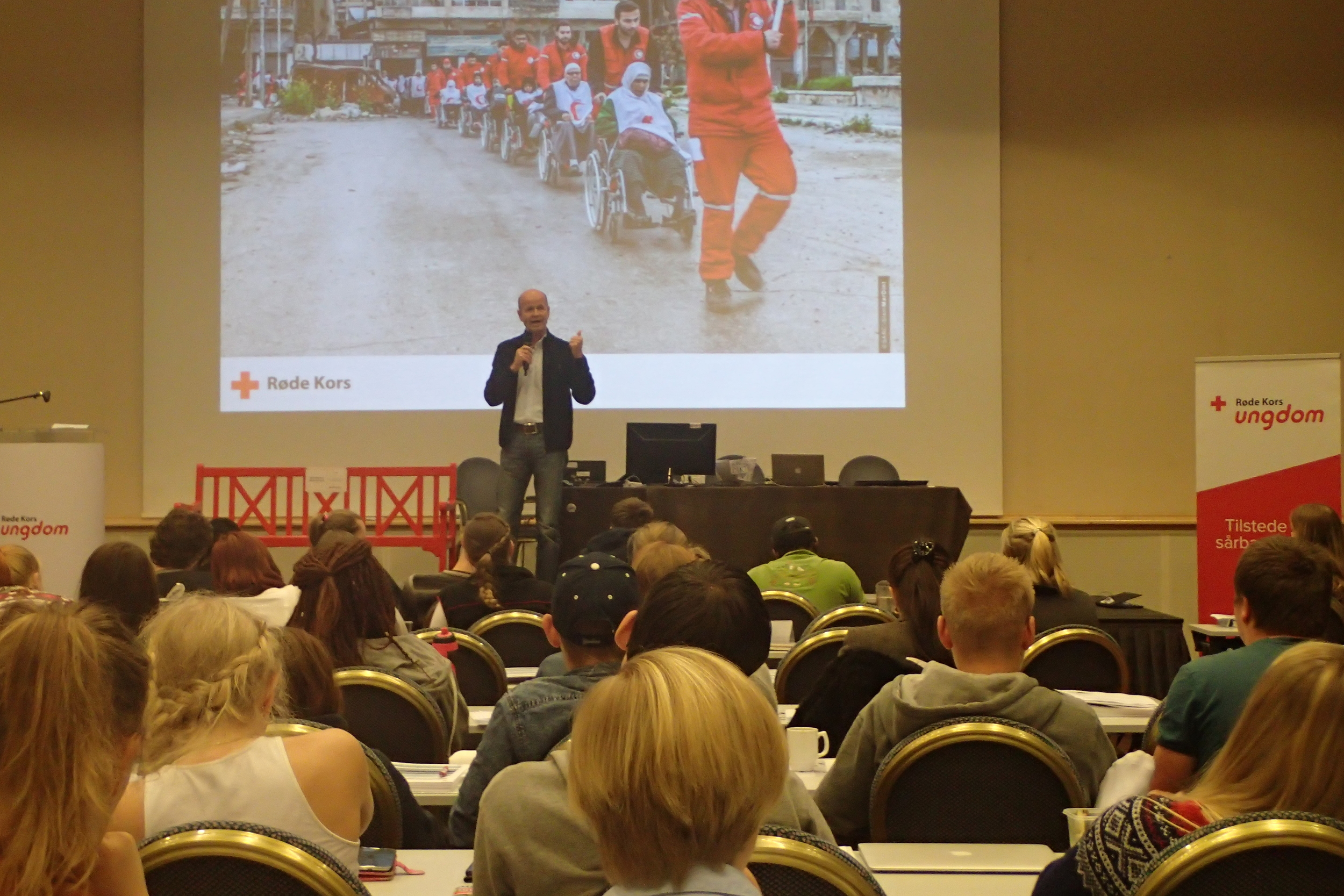 Leader of Norwegian Red Cross motivating youths to take an initiative for change