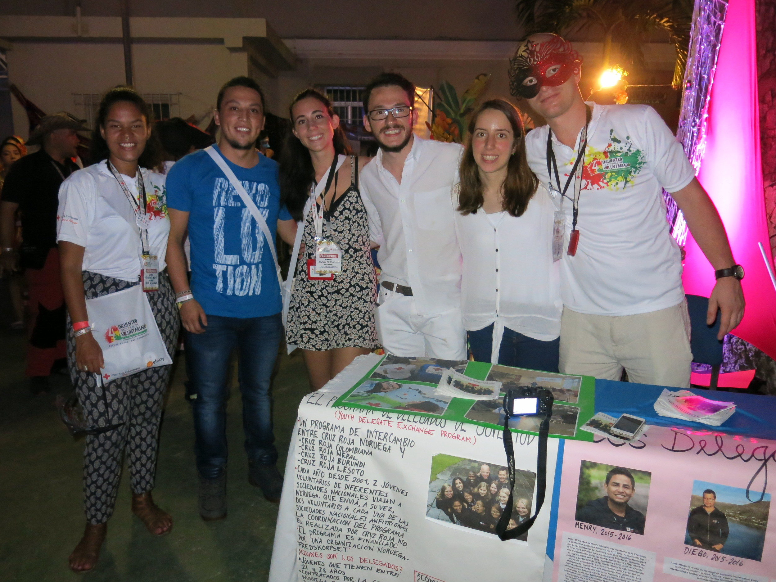 El equipo de delegados de juventud! Our team of youth delegates from Norway and Colombia!