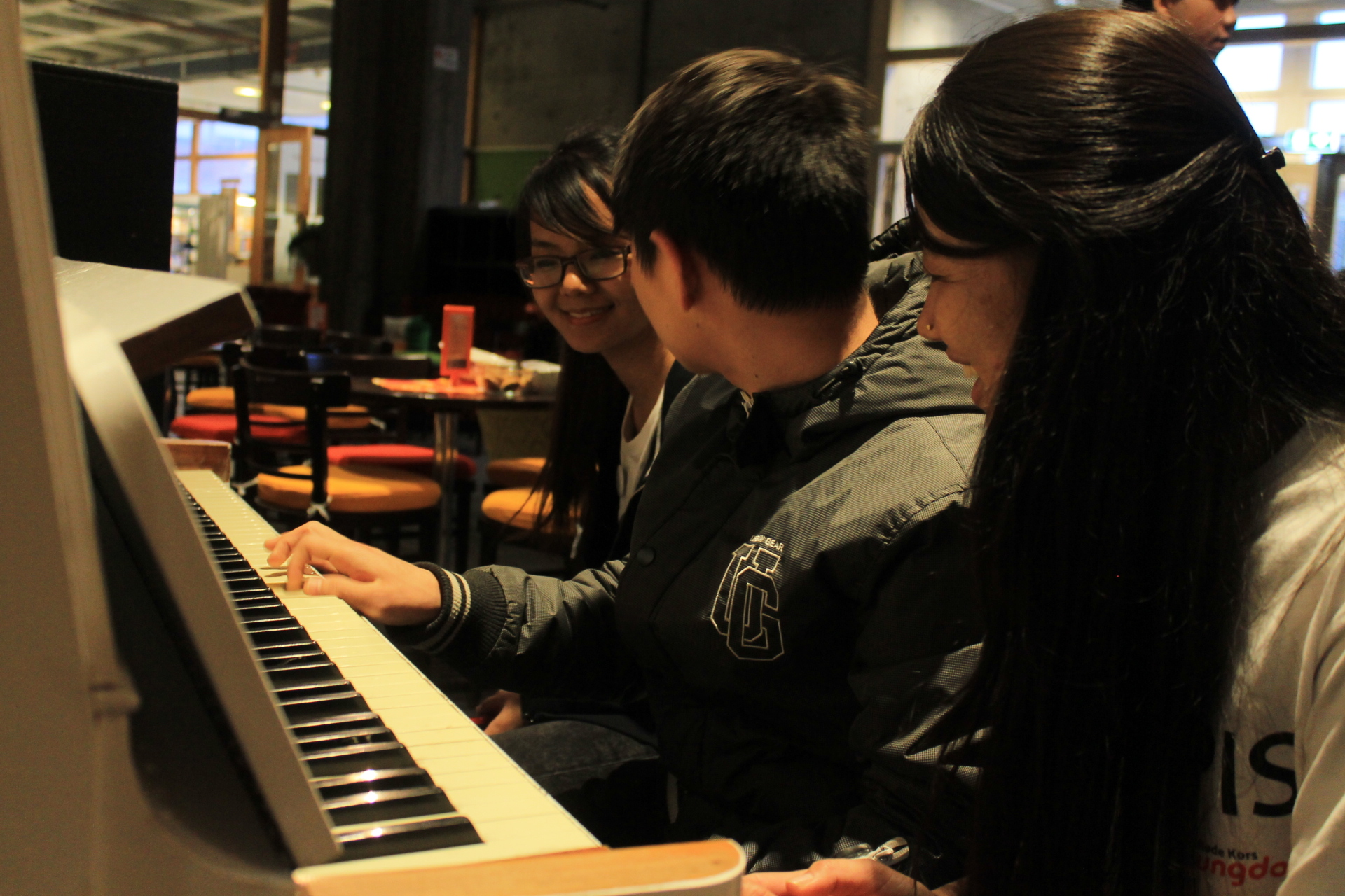 Piano kompis ( Piano buddies) Pictures byKatrina